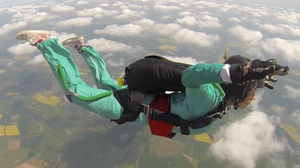 Photo of Maddy skydiving. Despite her kidney disease, she is always seeking new challenges. Photo courtesy of Andy Ford, Infinite Skydiving Solutions.